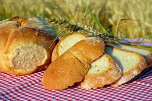 közmondások kenyérrel