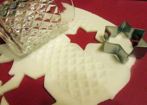 Házi porcelángyurma karácsonyfadísz