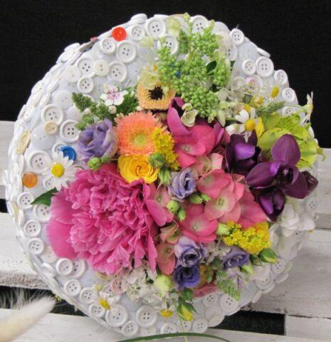 virágátadás stílusosan - virágajándékozási etikett